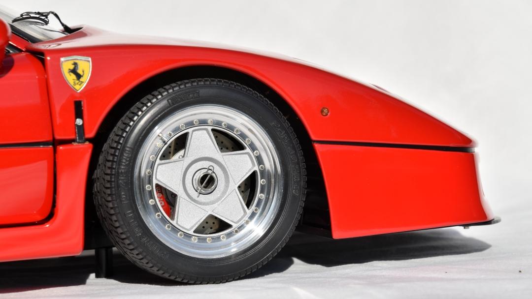 Ferrari F40 von Pocher 1:8 mit autograph Transkit gebaut von Paperstev 012_f411