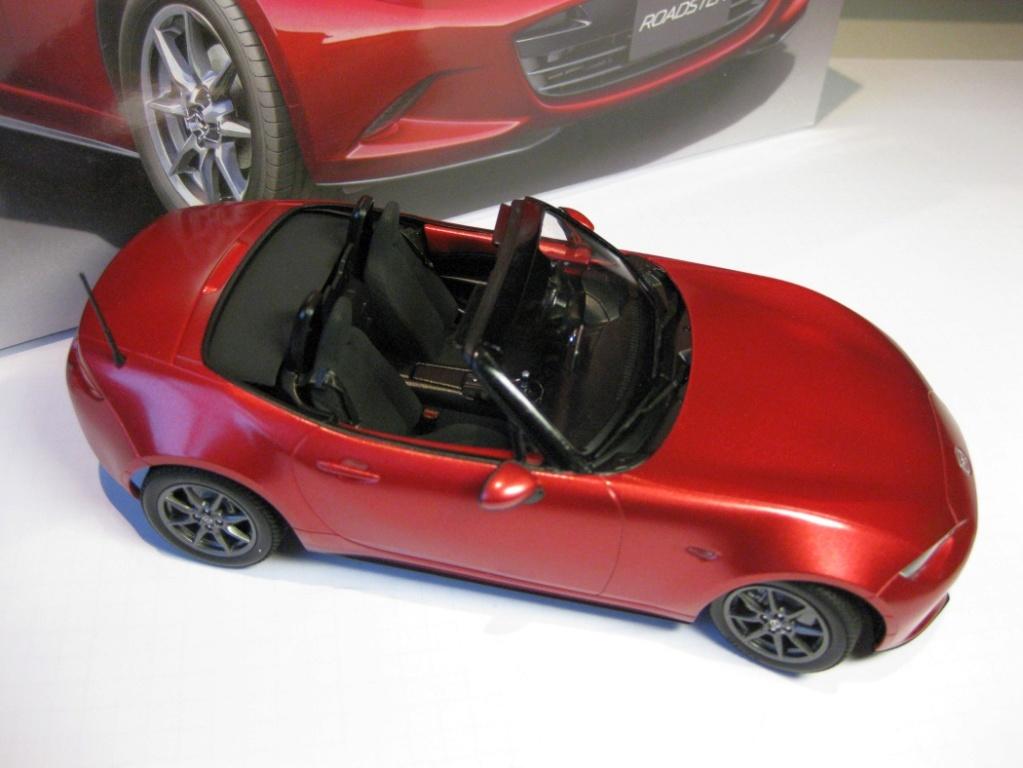 Mazda MX-5 Tamiya 1:24 gebaut von Paperstev 014_ba11