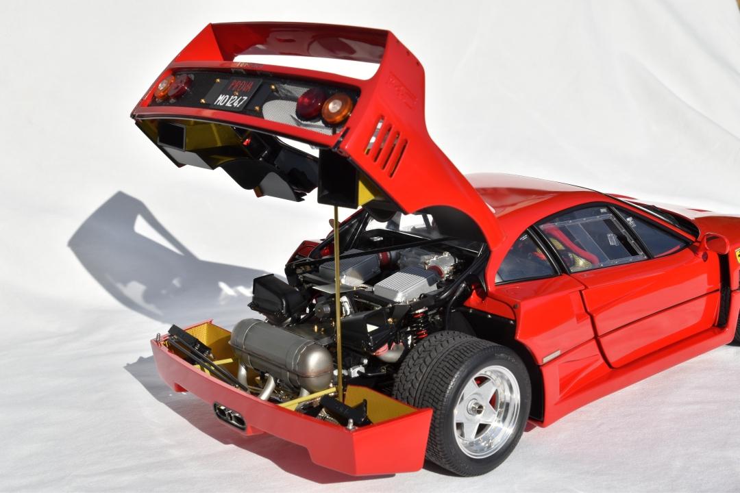 Ferrari F40 von Pocher 1:8 mit autograph Transkit gebaut von Paperstev 015_f411