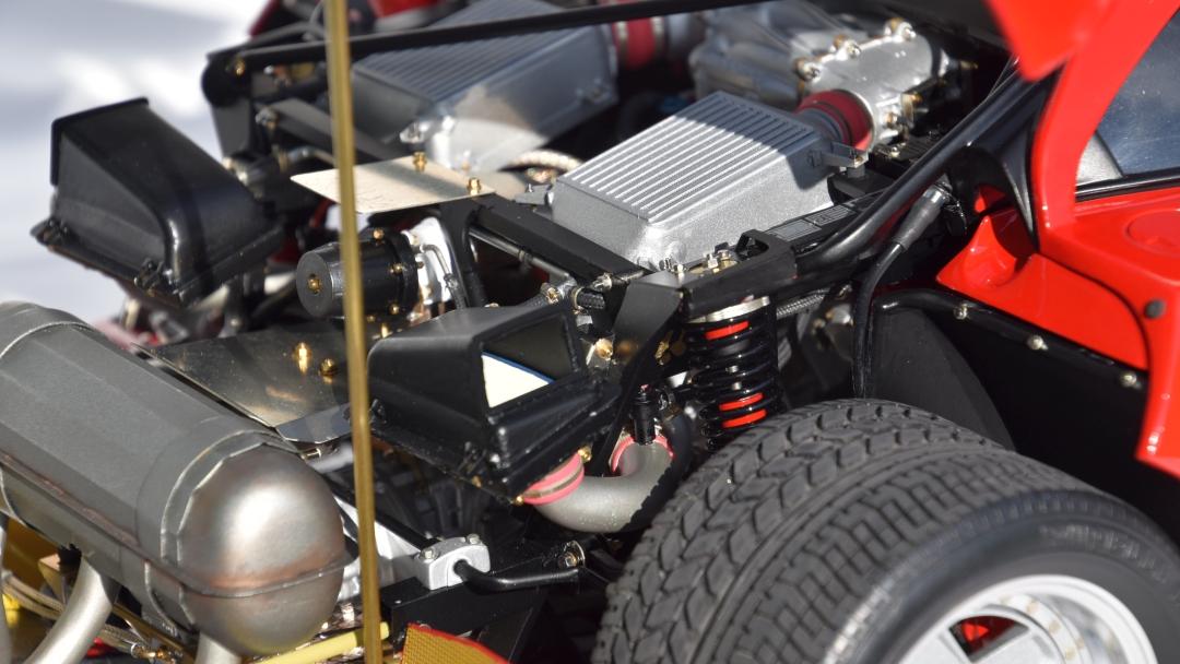 Ferrari F40 von Pocher 1:8 mit autograph Transkit gebaut von Paperstev 016_f411