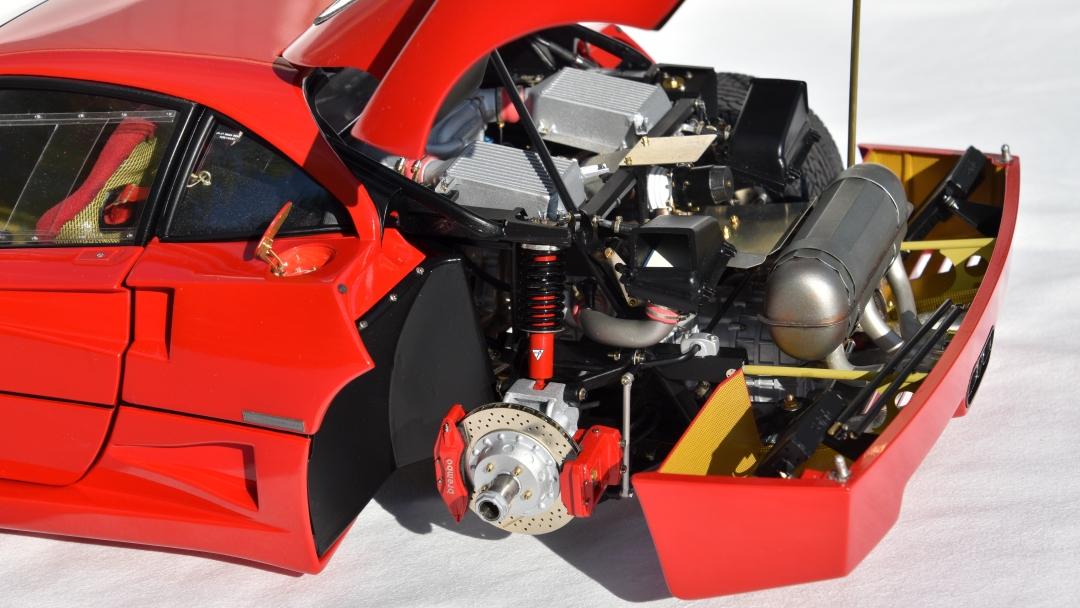 Ferrari F40 von Pocher 1:8 mit autograph Transkit gebaut von Paperstev 019_f410