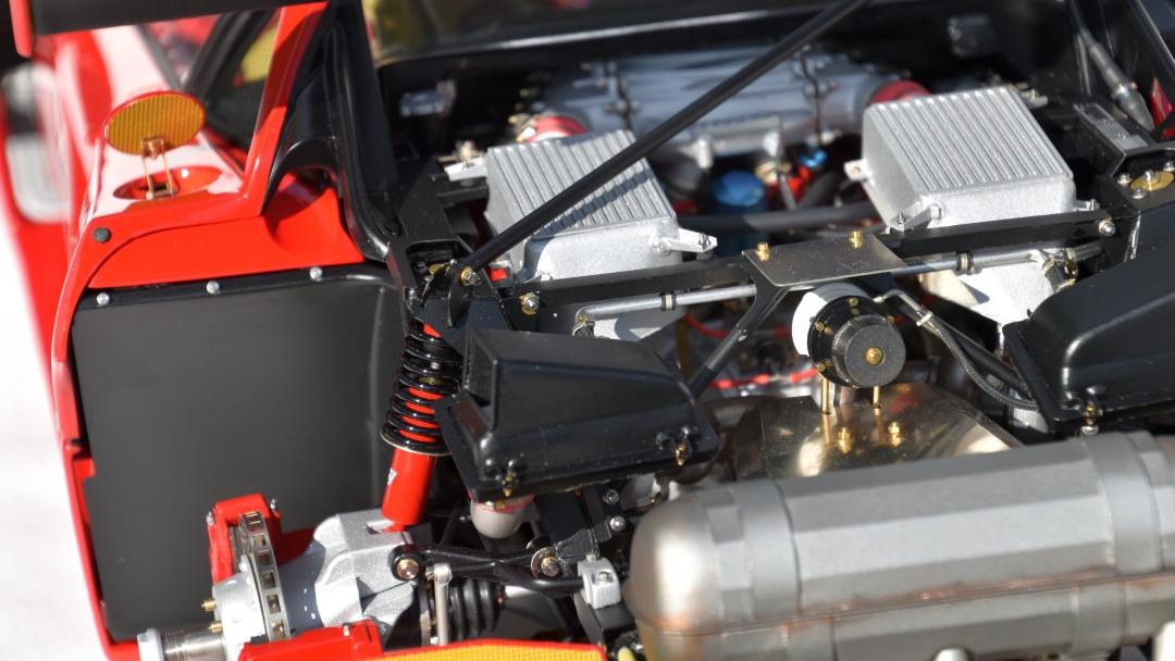 Ferrari F40 von Pocher 1:8 mit autograph Transkit gebaut von Paperstev 021_f411