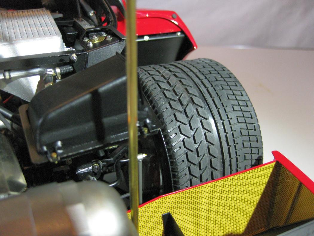 Ferrari F40 von Pocher 1:8 mit autograph Transkit gebaut von Paperstev - Seite 7 023_f410