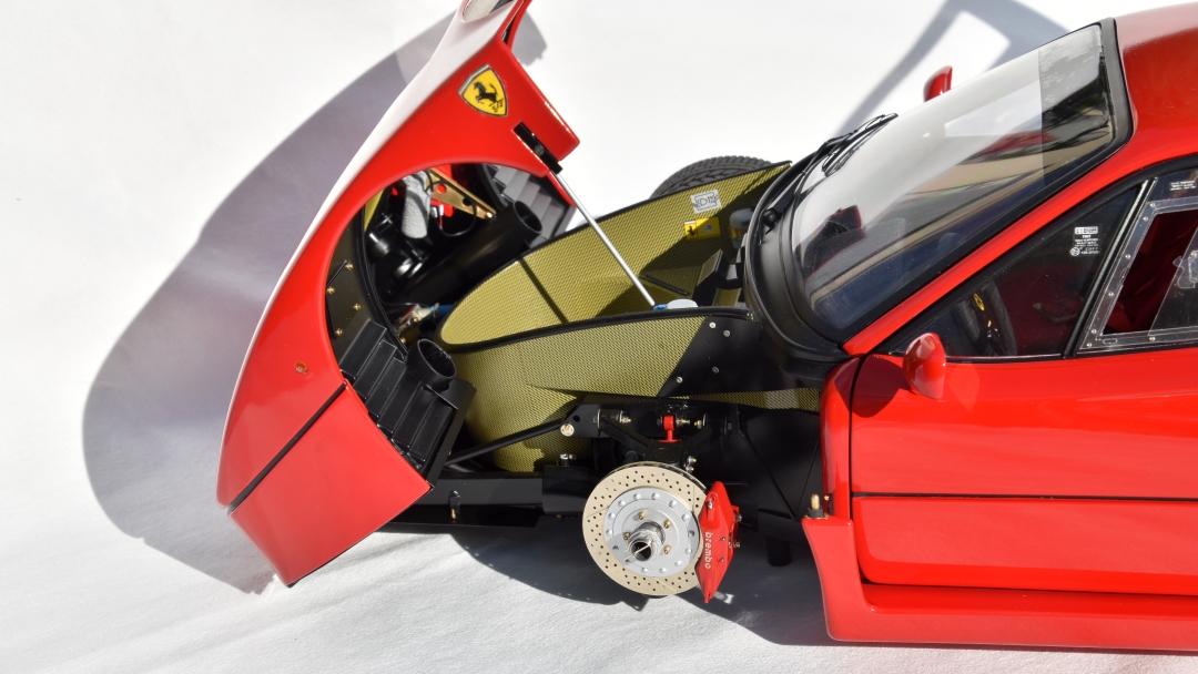 Ferrari F40 von Pocher 1:8 mit autograph Transkit gebaut von Paperstev 023_f411