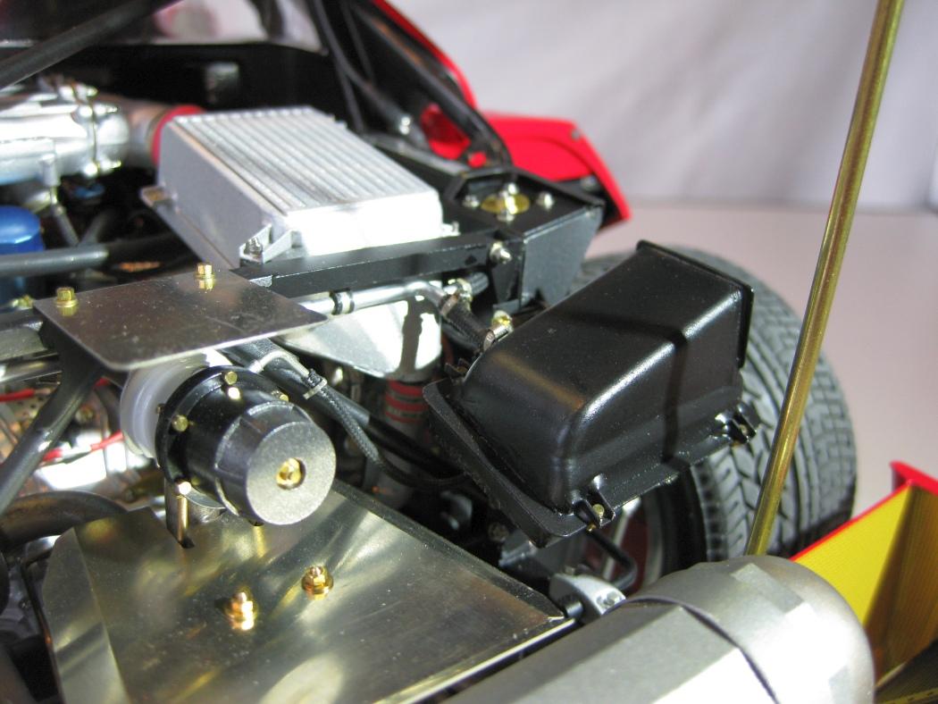 Ferrari F40 von Pocher 1:8 mit autograph Transkit gebaut von Paperstev - Seite 7 024_f410