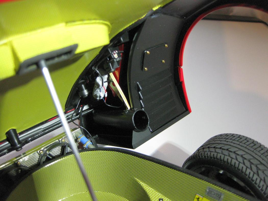Ferrari F40 von Pocher 1:8 mit autograph Transkit gebaut von Paperstev - Seite 7 028_f410