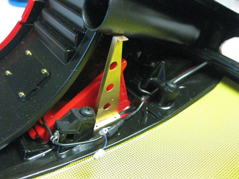 Ferrari F40 von Pocher 1:8 mit autograph Transkit gebaut von Paperstev - Seite 6 046_fr10