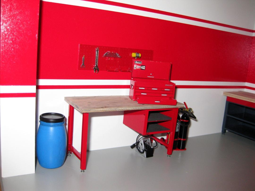 Werkstatt für die Ducati 1199 Panigale S von Tamiya 1:12 gebaut von Papaerstev - Seite 2 146_we10