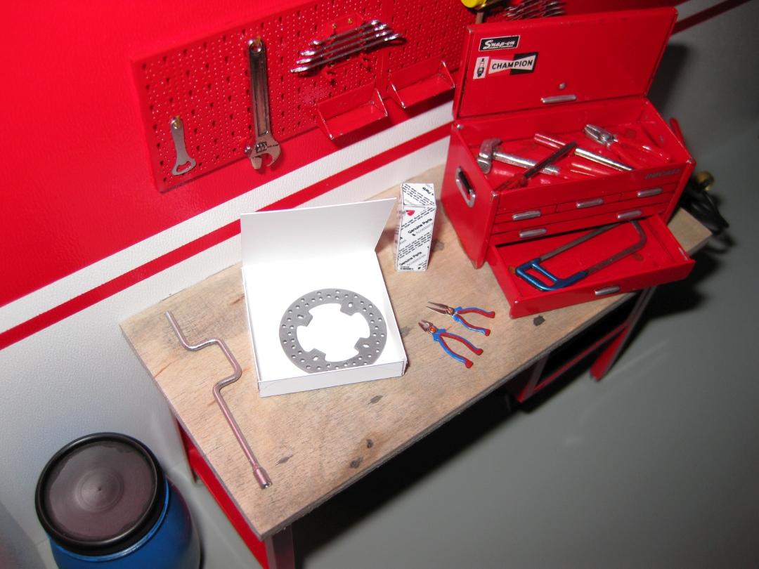 Werkstatt für die Ducati 1199 Panigale S von Tamiya 1:12 gebaut von Papaerstev - Seite 2 153_we10