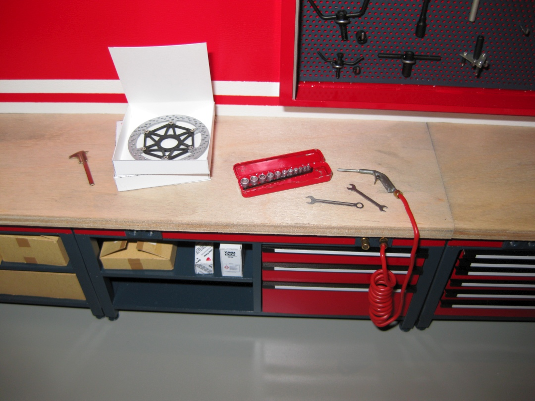 Werkstatt für die Ducati 1199 Panigale S von Tamiya 1:12 gebaut von Papaerstev - Seite 2 159_we10