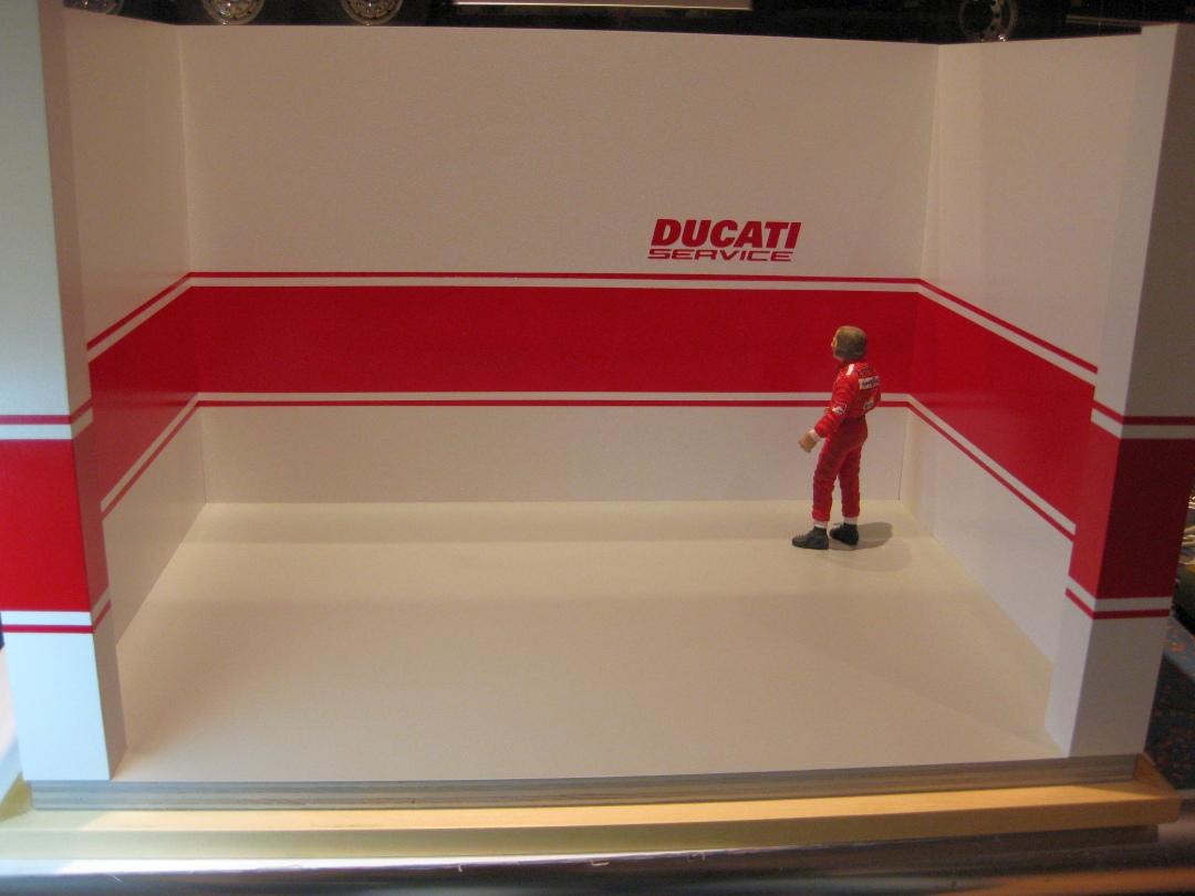 Werkstatt für die Ducati 1199 Panigale S von Tamiya 1:12 gebaut von Papaerstev - Seite 2 88_wer10