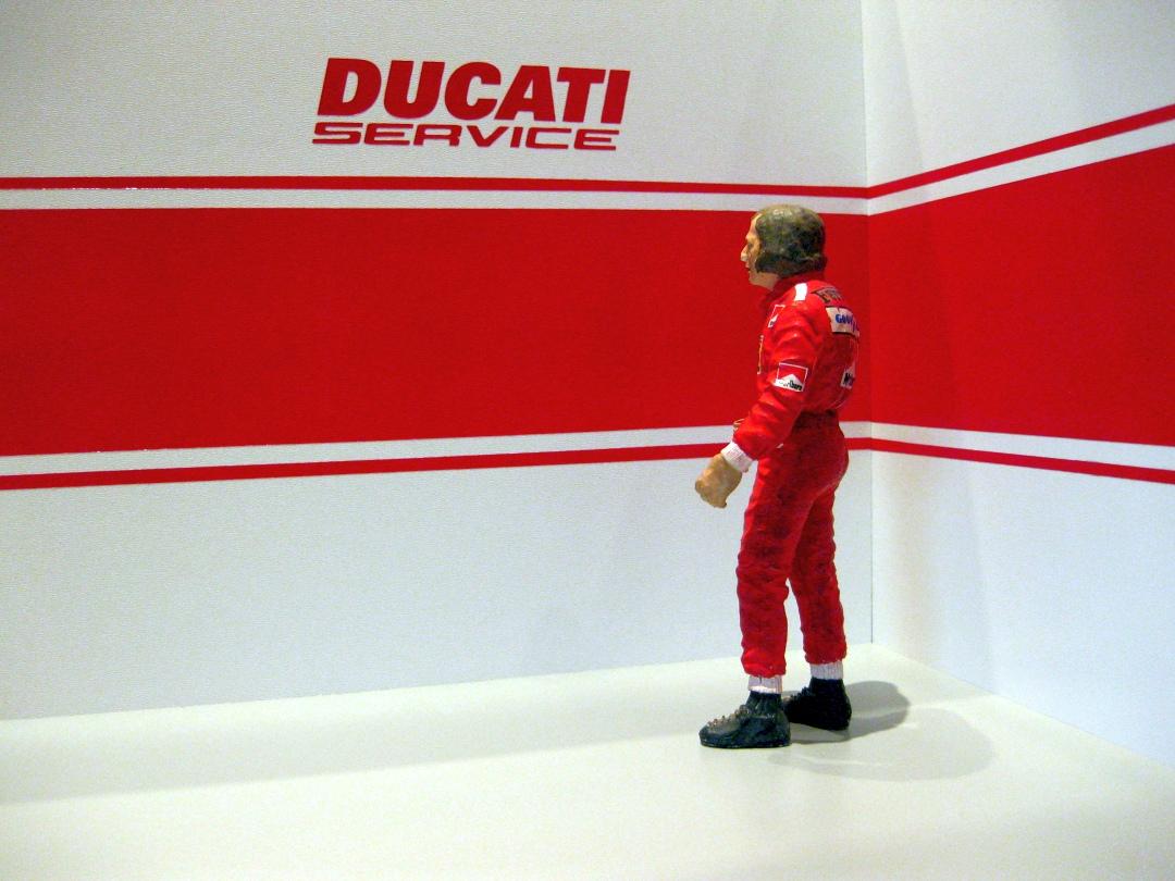 Werkstatt für die Ducati 1199 Panigale S von Tamiya 1:12 gebaut von Papaerstev - Seite 2 89_wer10