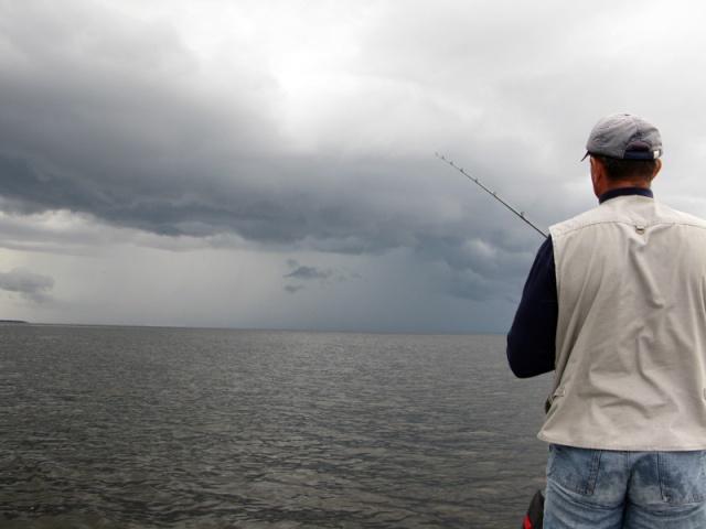 Кто при какой погоде люит больше всего рыбачить ? (не когда клюёт, а именно погода для души) Aaiaue11