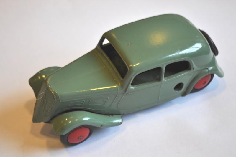 Citroën, les jouets : Traction CIJ et JRD 12 cm pas plus!  Dsc_0511