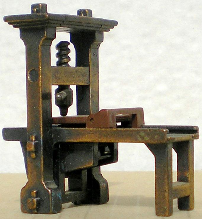Möbel, Geschirr und ähnliche Kleinteile zur Figurengröße 7 cm Anspit10