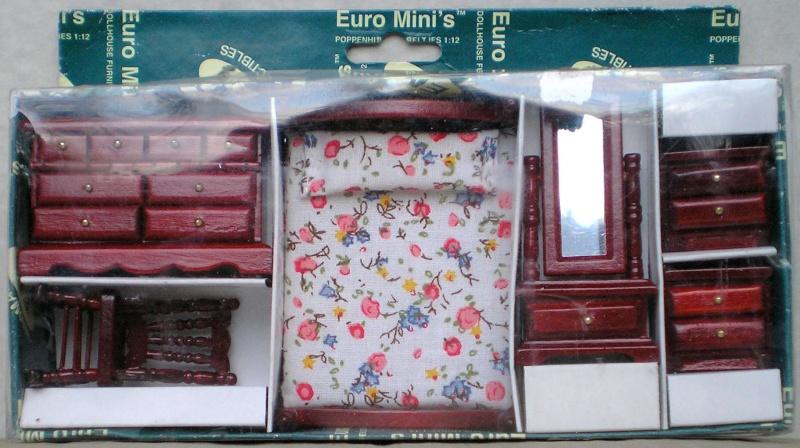 Möbel, Geschirr und ähnliche Kleinteile zur Figurengröße 7 cm Em_99510