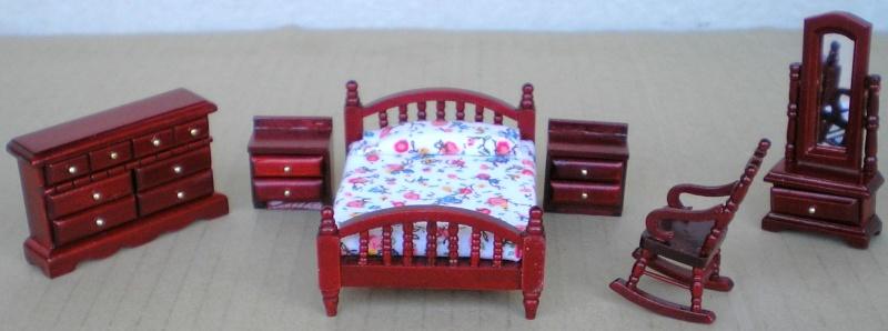 Möbel, Geschirr und ähnliche Kleinteile zur Figurengröße 7 cm Em_99511