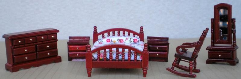 Möbel, Geschirr und ähnliche Kleinteile zur Figurengröße 7 cm Em_99512