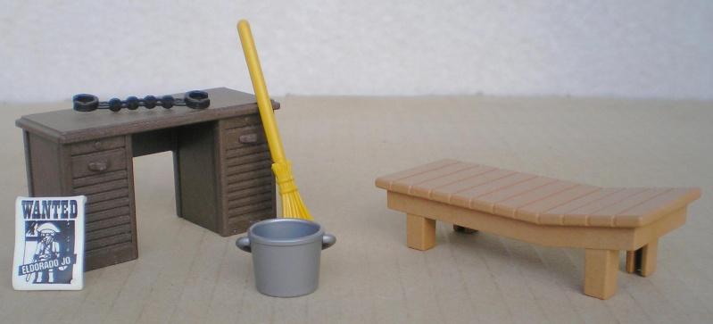 Möbel, Geschirr und ähnliche Kleinteile zur Figurengröße 7 cm Pm_37813