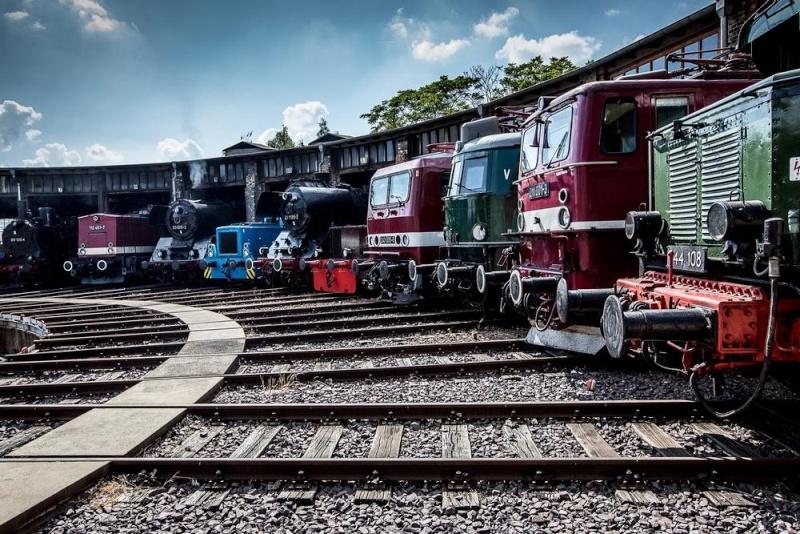 A la recherche des rotondes ferroviaires - Page 3 Rotond28
