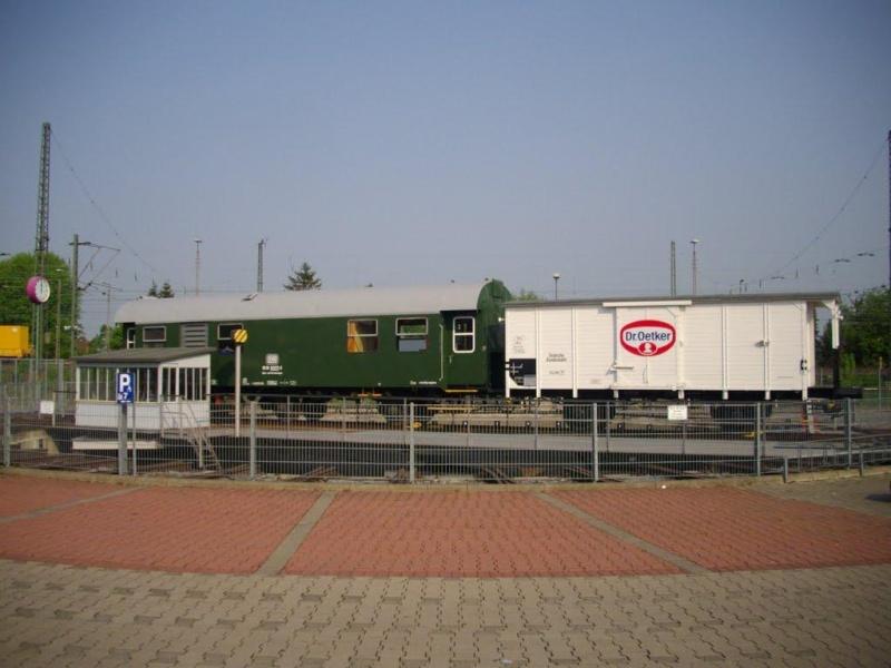 A la recherche des rotondes ferroviaires - Page 4 Rotond44
