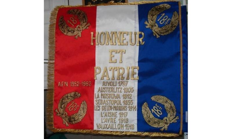 2 décembre 1805 la bataille AUSTERLITZ est l'une des plus grandes victoires napoléonienne Drapea10