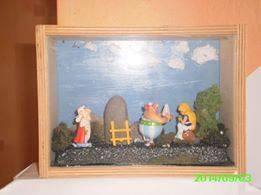 Les réalisations dioramas et vitrinettes kinder récup. 10647111