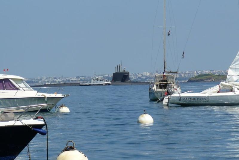 [Les ports militaires de métropole] Port de BREST - Page 6 P1110818