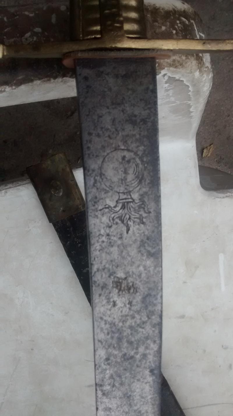 Cherche photos de sabres-briquets Img_2015