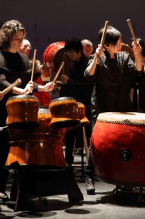 «Le Fil Rouge» chorégraphie franco-chinoise en tournée en France : 25 septembre - 4 octobre, pour le 50° anniversaire Image-10