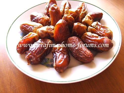 Финики, фаршированные орехами B95e5510