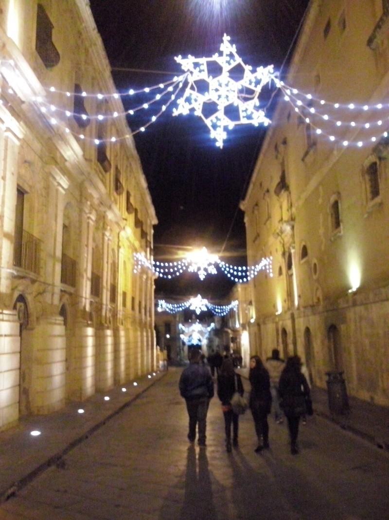 Luminarie natalizie in Italia e all'estero Cam00515