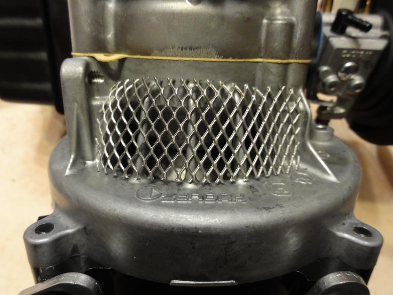 Technique pour mettre des grilles de protection moteur Dsc04921
