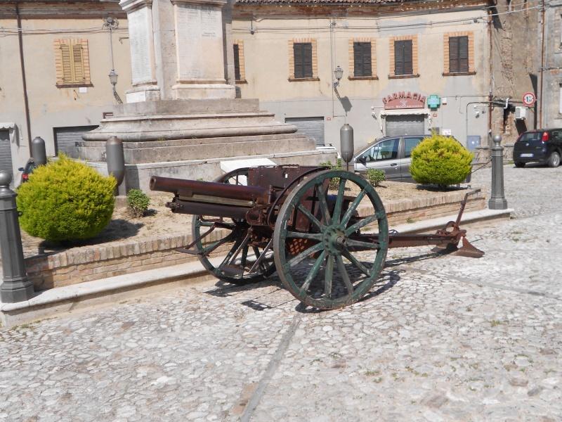 Canon de campagne à Ripatransone - Italie Dscn0610