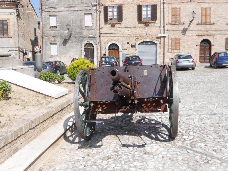 Canon de campagne à Ripatransone - Italie Dscn0611