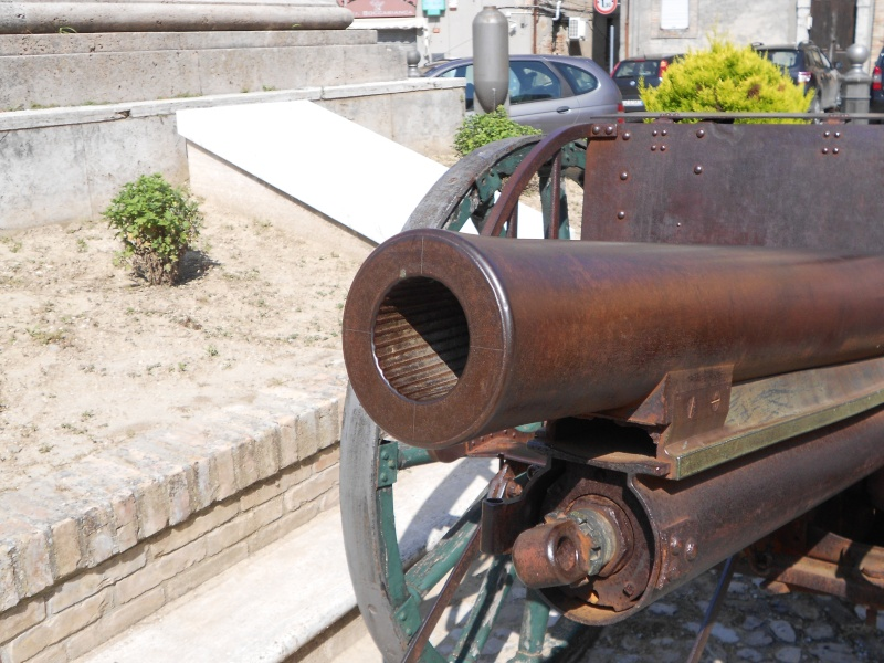 Canon de campagne à Ripatransone - Italie Dscn0612