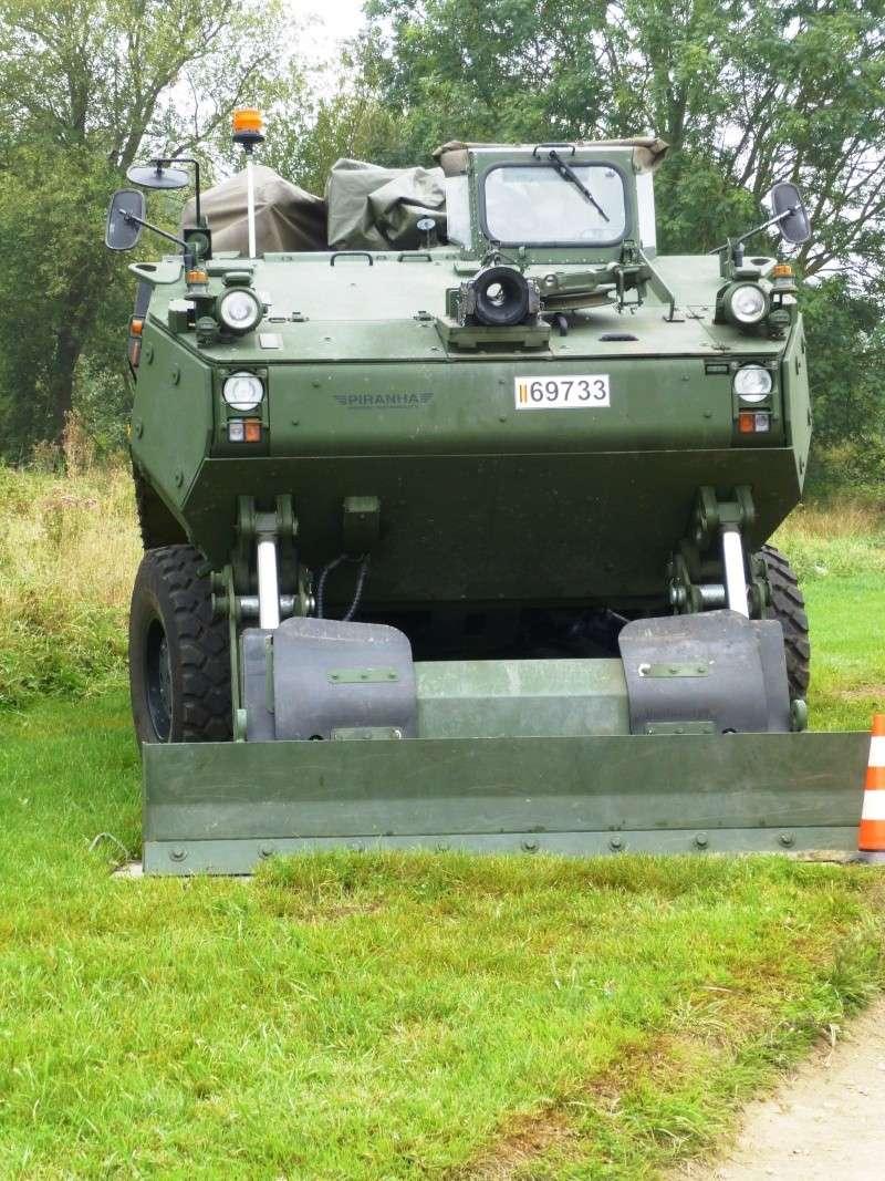 Véhicule de l'armée belge - Page 3 P1030420
