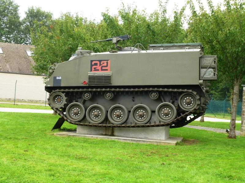 Véhicule de l'armée belge - Page 3 P1030427