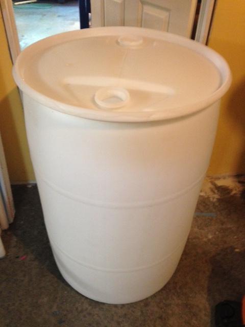 Nice plastic 55 Gallon barrels Img_0310