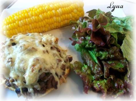Coeurs de poulet et champignons sur petits pains grillés Coeur_11