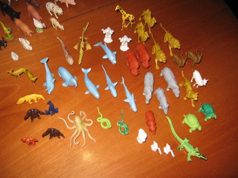 """cerco figure plastica/gomma di """"animali preistorici"""" e """"animals of the world"""" PANINI, anni 90 011_5110"""