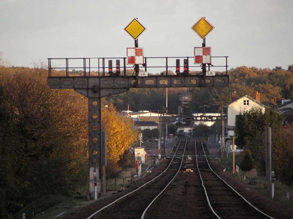Ligne Tours - Châteauroux - Montluçon Kif_0310