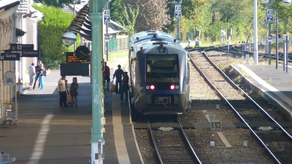 Pk 302,7 : Gare d'Aurillac (15) P1120113