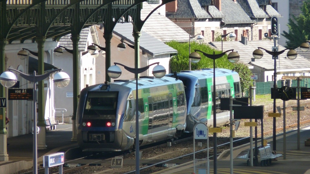 Pk 302,7 : Gare d'Aurillac (15) P1120115