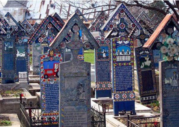 Veselo groblje u Rumunjskoj Gro10