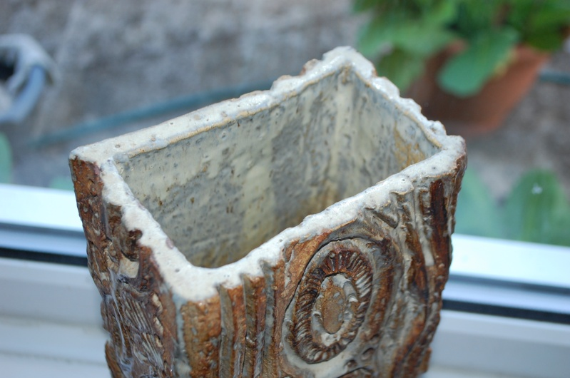 large slab vase my last longterm mystery pot  - Identification needed Dsc_0212