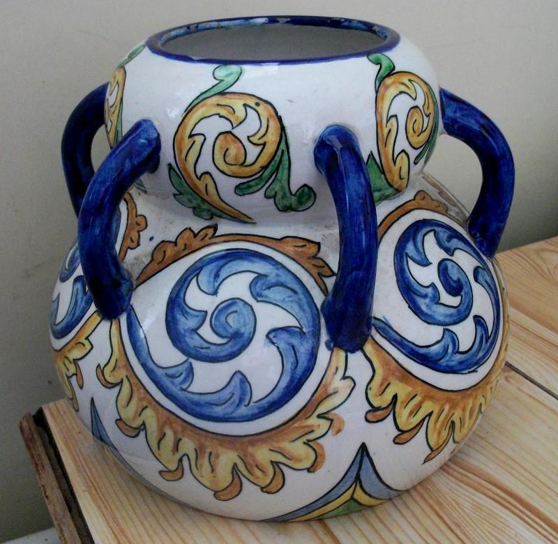 Italian/Spanish/Portuguese 6 Handled Vase; Savona/Deruta?  Dscf4512