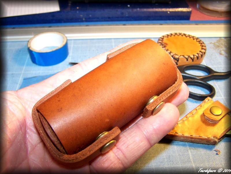 Accessoires en cuir pour le rasage - Page 2 Atui_p10
