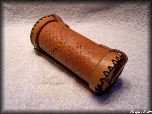 Accessoires en cuir pour le rasage - Page 2 Photo148