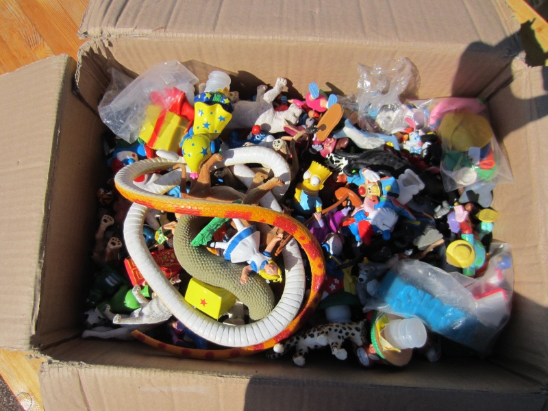 Surprise parcel with Comic figures from Bullyland Img_0921
